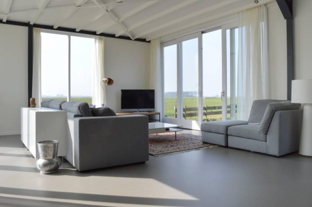 Gietvloer moderne en natuurlijke gietvloeren barbo vloeren for Kleuren woonkamer 2016